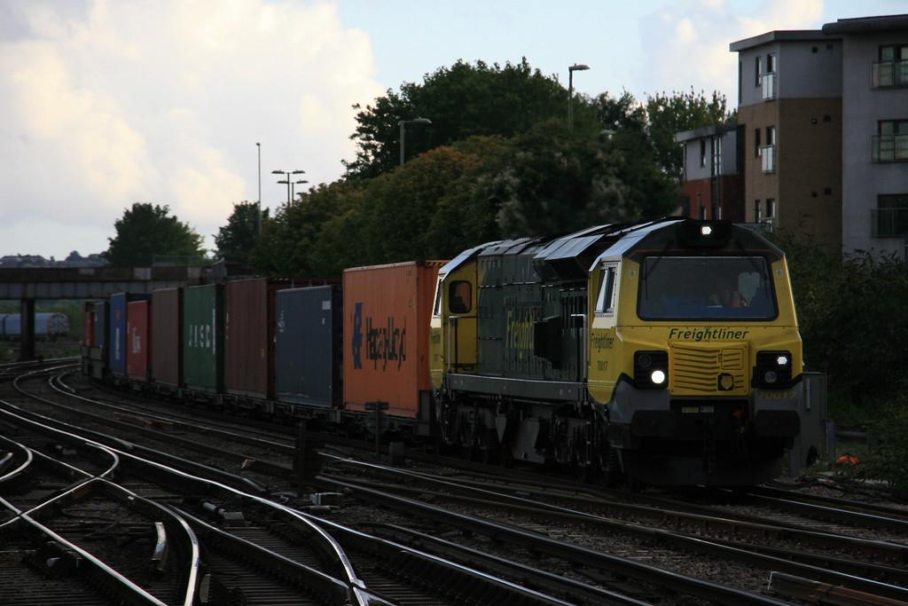 70017_freightliner_Eastleigh_18072017 (375)