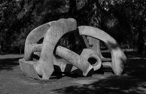 "Henry Moore ""Hill Arches"""