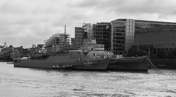 NE Brasil - Brazilian Navy's training ship & HMS Belfast