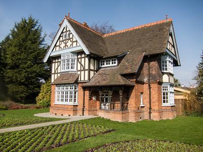 1889 - Gate Lodge (Dulwich park)