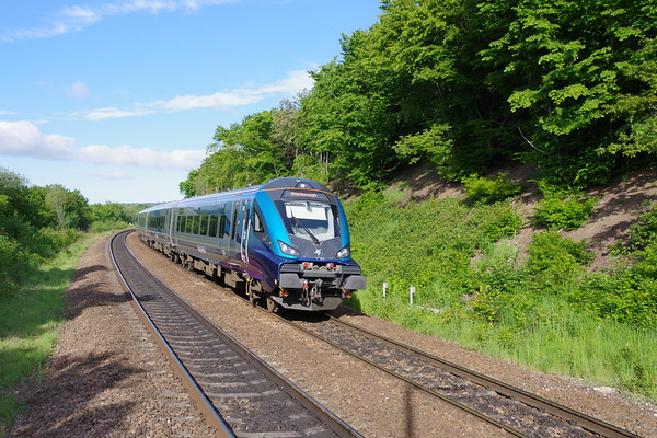 DVT T'n'T 68027 Enterprise passes Deighton with the 06 54 Liverpool to Scarborough service 4th June 2021