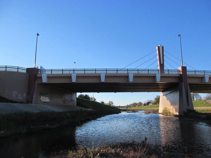 11-10-16 Dayton 24 Sunrise Park Edwin C  Moses Blvd Bridge Wolf Creek