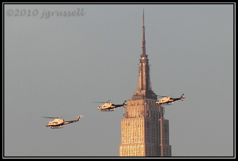 Helicopters at the Empire State Building