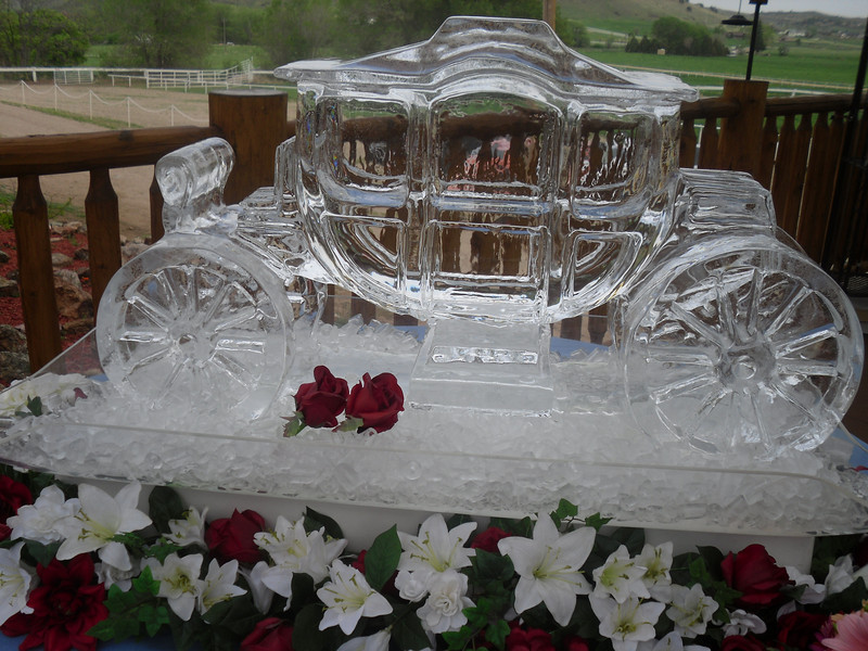 Ellis Stage Coach Wedding Ice Sculpture