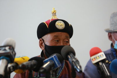2020 оны тавдугаар сарын 20. Архангай аймгийн Цэнхэр сумын малчид малын хулгайн гэмт хэргийн талаар мэдээлэл хийлээ. ГЭРЭЛ ЗУРГИЙГ Д.ЗАНДАНБАТ/МРА