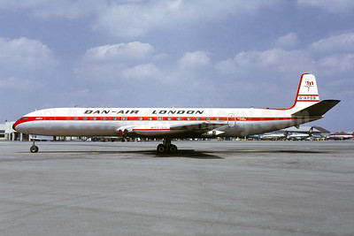 Dan-Air London (Dan-Air Services) de Havilland DH.106 Comet 4 G-APDB (msn 6403) MUC (Jacques Guillem Collection). Image: 946388.
