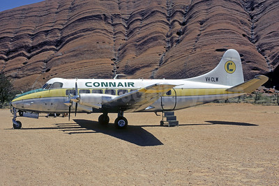 Convair (Australia) de Havilland DH.114 Heron VH-CLW (msn 14108) Ayers Rock (Jacques Guillem Collection). Image: 951626.