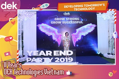 Dek-Year-End-Party-2019-Chup-anh-in-hinh-lay-lien-Tiec-Tat-nien-2019-WefieBox-Photobooth-Vietnam-096