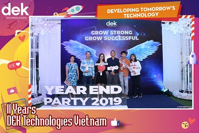 Dek-Year-End-Party-2019-Chup-anh-in-hinh-lay-lien-Tiec-Tat-nien-2019-WefieBox-Photobooth-Vietnam-104