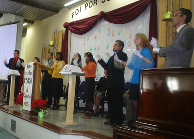 Around 150 deaf meet together yearly in Brazil for a special weekend together.