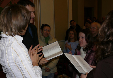 Signing with the hearing and deaf congregation in Lvov, Ukraine in Dec./07