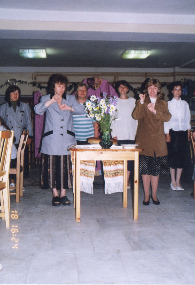 Deaf Adventist group signing in Russia