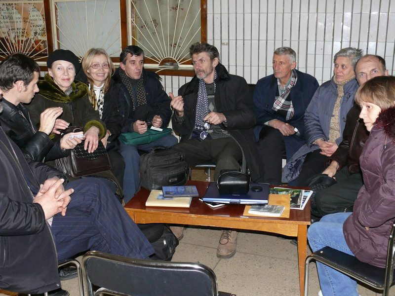The deaf group in Kiev in Dec.07 that we met after the interpreted Evangelistic meeting.  It was a great joy for Pastor Blake to meet this deaf members and their pastor.