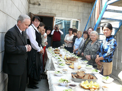 A fellowship meal with the deaf group in April/08 in Kyrgyzstan at their deaf church