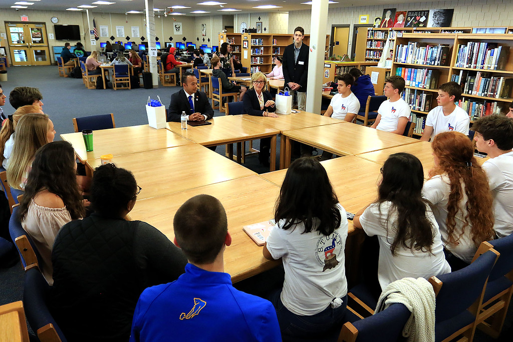 . After a debate between Senator Dean Tran and Sue Chalifoux Zephir at Leominster High School they met with the students in the school\'s STUMP (Students for Transparency and Understanding of Municipal Politica) program. SENTINEL & ENTERPRISE/JOHN LOVE