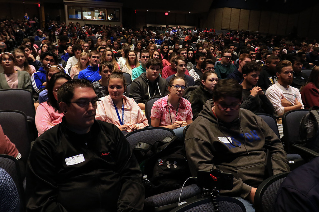 . After a debate between Senator Dean Tran and Sue Chalifoux Zephir at Leominster High School they met with the students in the school\'s STUMP (Students for Transparency and Understanding of Municipal Politica) program. Students listen to the debate. SENTINEL & ENTERPRISE/JOHN LOVE