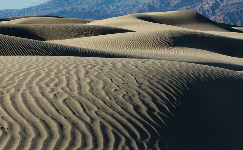Sand ripples and Waves