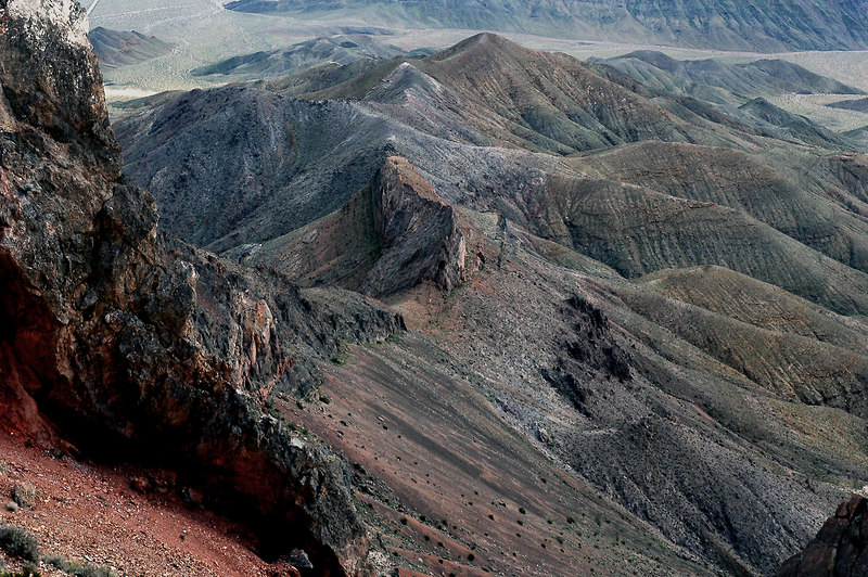 Cool looking ridge below the colorful rock.