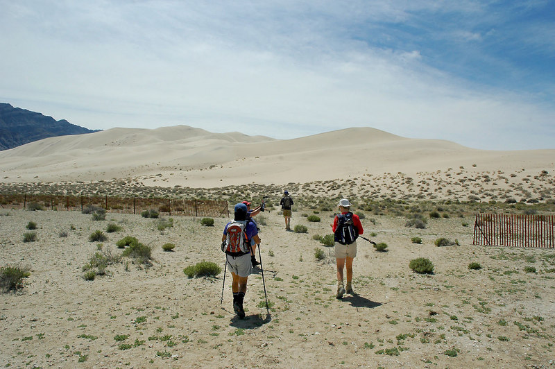 After getting our stuff together, we started off to climb the highest dune.