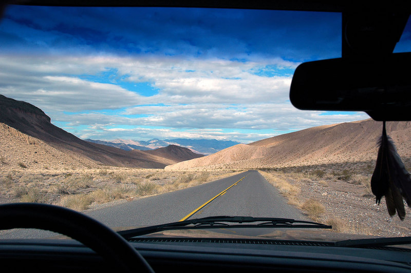 Driving towards Stovepipe Wells, still don't know where I'll be going