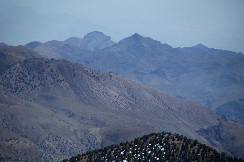 Zoomed in on Corkscrew and Thimble Peaks to the southeast.