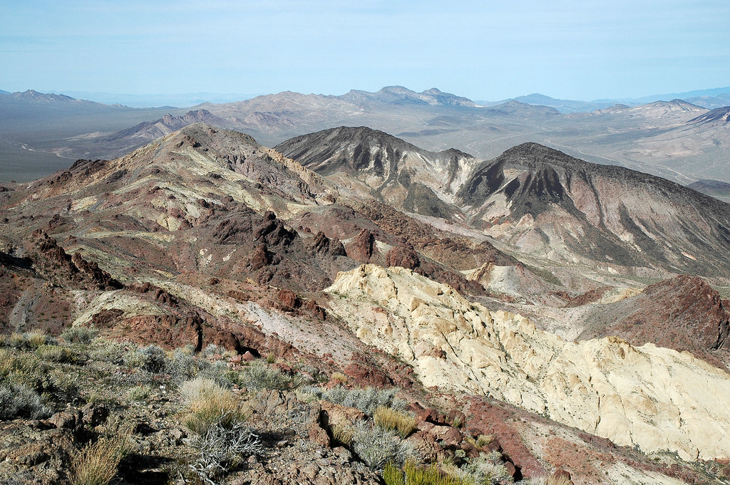 The two black peaks are the Calico Peaks to the north.