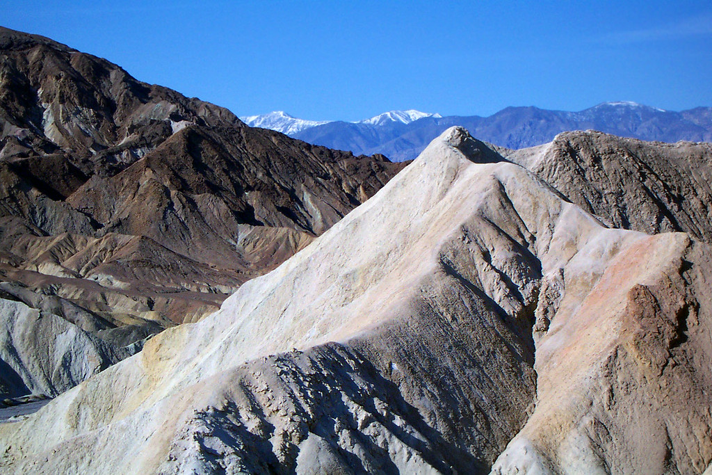Great colors and shapes in the area. I'm starting to love Death Valley.