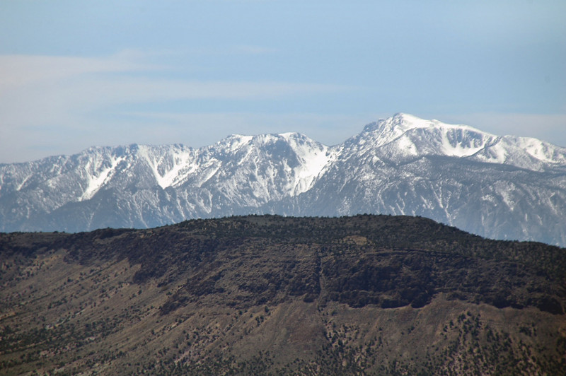 Zoomed in on a few Sierra peaks.