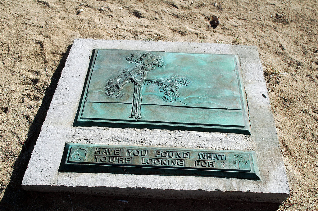 View of the plaque.