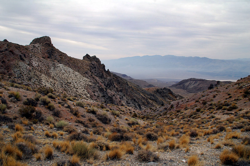 The Panamint Valley starts to come into view to the southwest as we gain altitude.