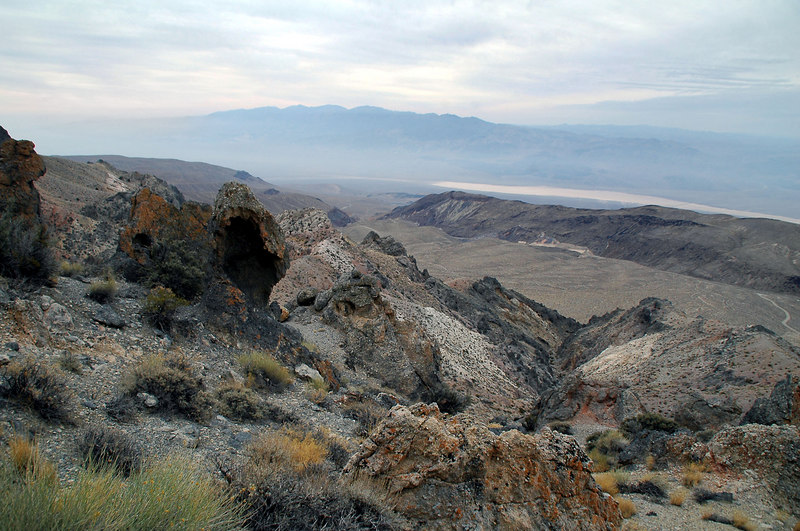 Better view of the Panamint Valley from higher up.