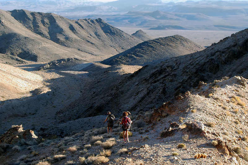 Hiking down the canyon that will take us back to the top of the alluvial fan.