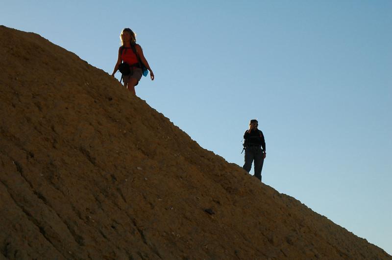 Sooz and Robin on a ridge.