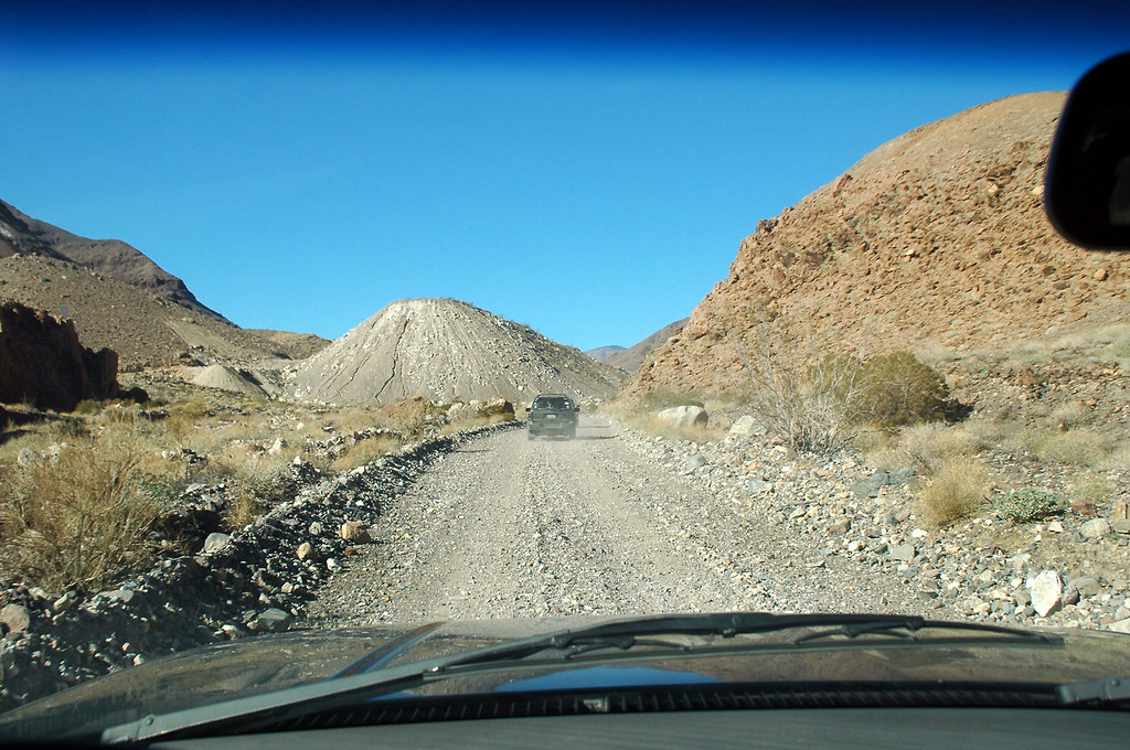 Back on the road. We are heading to an area that Sooz knew of that had a lot petroglyphs.