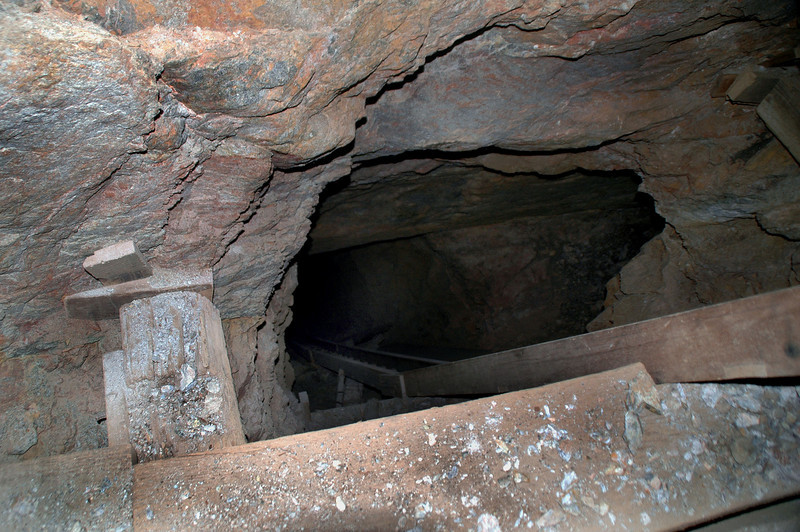 Looking down the shaft. This shaft was deeper than our lights could reach and was at about a 60 degree angle. Neither one of us was willing to go down.