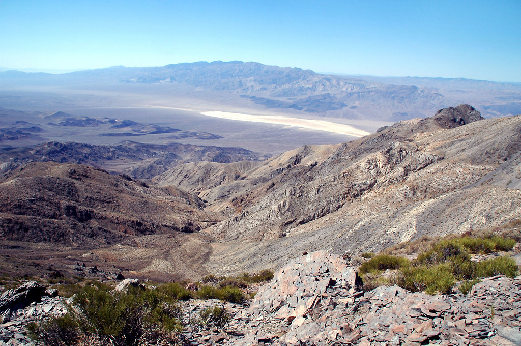 Another view into the Panamint Valley.