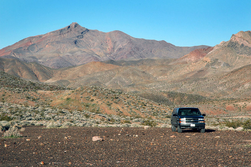 This is the place I stayed Friday night in the Funeral Mountains. That's Corkscrew Peak in the background.