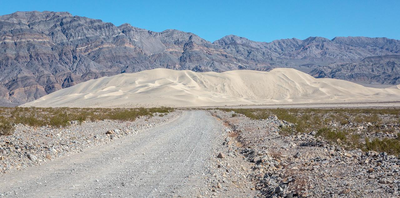 The road to Eureka Dunes