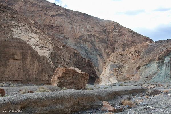 View towards the narrows in Mosaic Canyon in Death Valley National Park