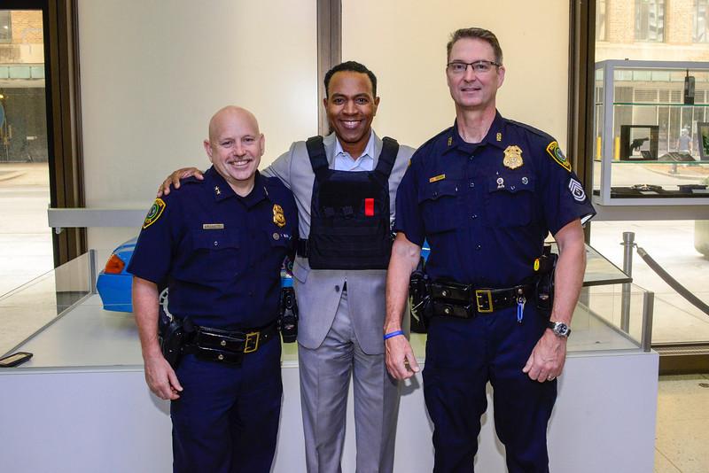 tony fsi with officers
