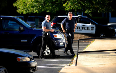 7/27/2016 Mike Orazzi | Staff Bristol Police on scene of bank robbery at TD Bank on Broad Street in Bristol Wednesday afternoon.