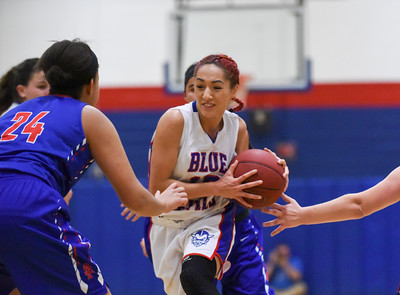 123016  Wesley Bunnell | Staff  St. Paul girls basketball defeated Plainville at Plainville High School on Friday evening. Isabel Lozefski (10)