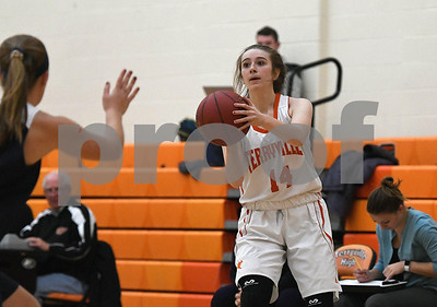 12/12/2017 Mike Orazzi | Staff Terryville's Mackenzie Huria (14) during Tuesday night's girl's basketball game with Shepaug.