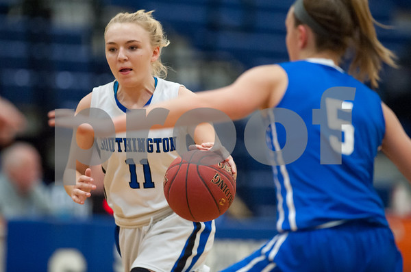 12/18/17 Wesley Bunnell | Staff Southington girls basketball was defeated by Glastonbury Monday evening at Southington High School. Kristen Longley (11).