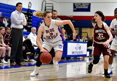 12/13/2018 Mike Orazzi | Staff Plainville High School's Caitlyn Barker (3) during Thursday night's basketball game with Bristol Central at PHS.