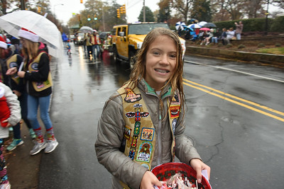 Many parade participants handed out candy to the viewers. (Bill Giduz photo)