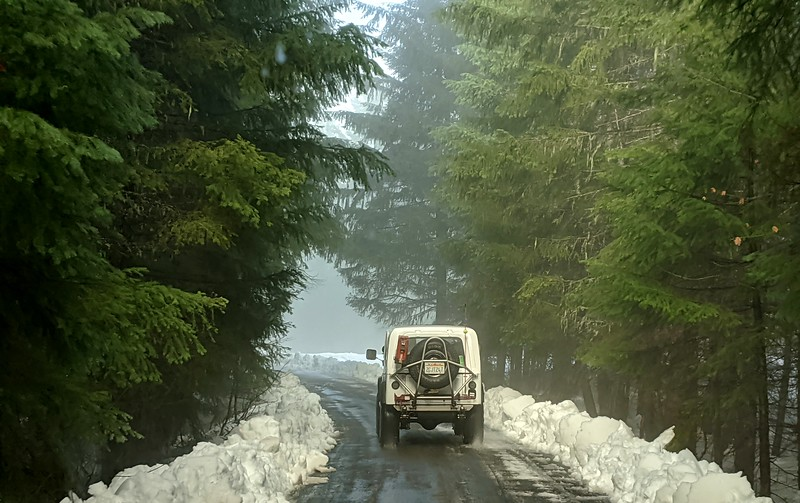 Don drove ahead of us in his inherited and well upgraded '80 CJ.  With him was Rebecca and Sasha.  The road was paved and plowed for about 2 miles.