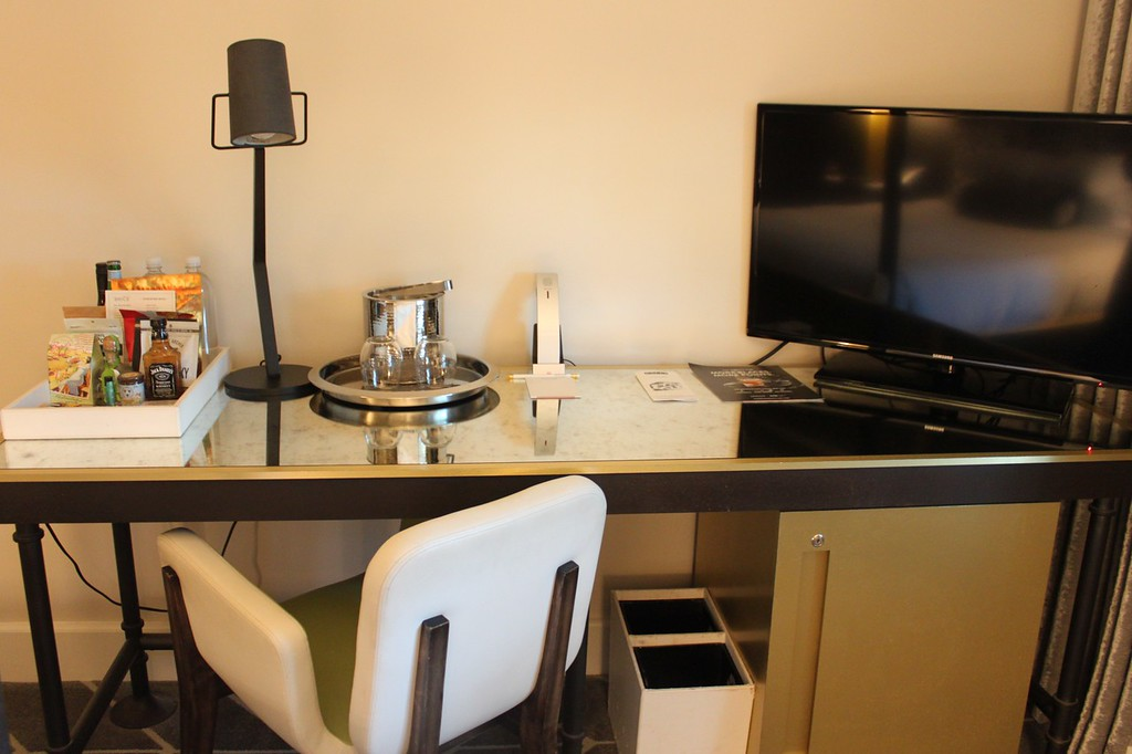 Kimpton Brice Hotel Desk area