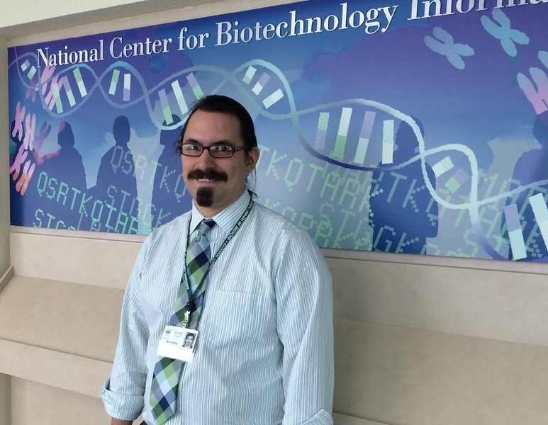 <big>Thomas at his new job - he's part of an IT team redesigning the information architecture of the national genetics database, working on-site at the National Institutes of Health in Bethesda. We think he might be the first man in our family in four generations to hold a job where he's expected to wear a necktie.</big>