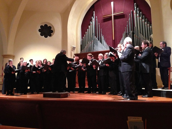 <big>Eliot sings in the local choral group, Bloomington Chamber Singers.  Here is a photo from their fall concert of (mostly) 20th century French music, with pieces by Poulenc, Martin, Ravel, and Fauré.</big>